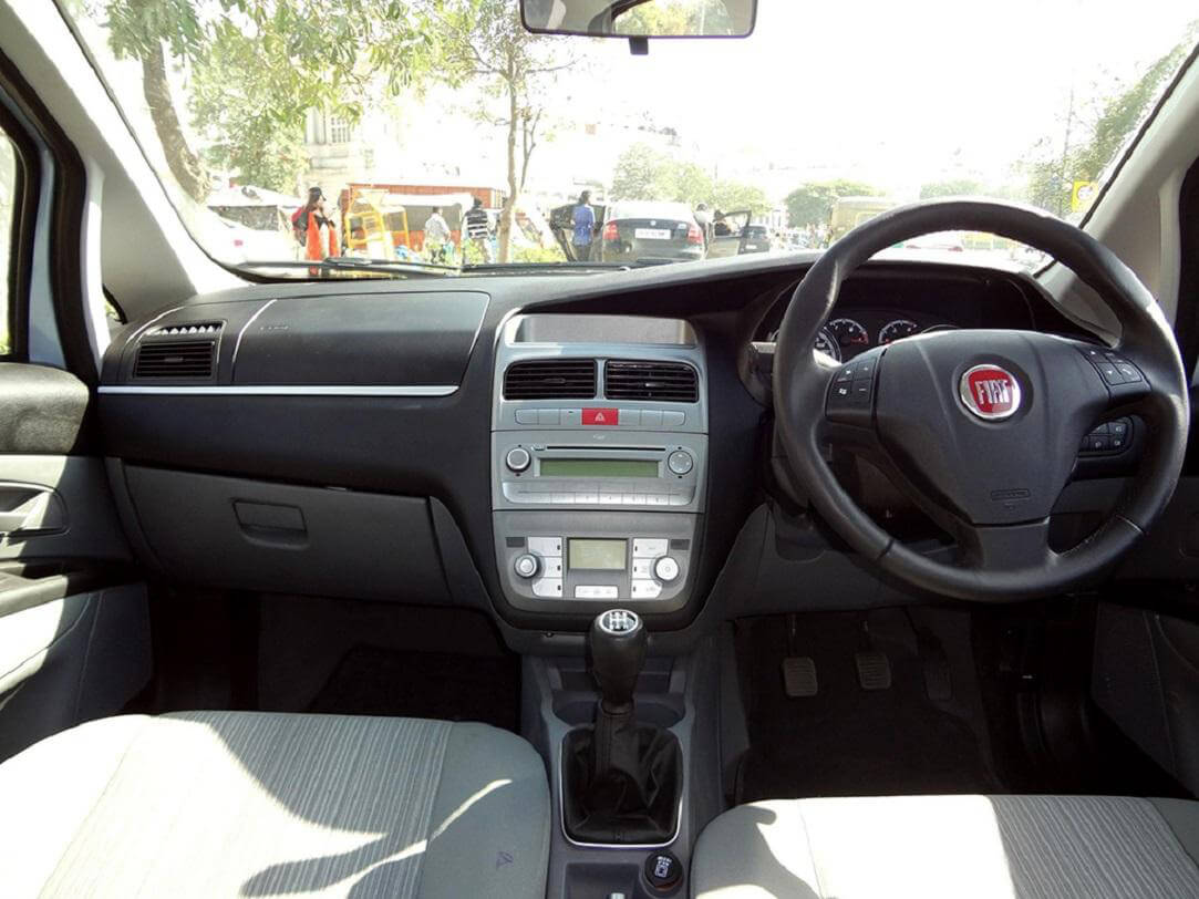 Fiat Punto Pure Price in India, Images, Specs, Mileage | AutoPortal.com