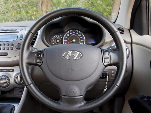 Hyundai i10 (2007-2010) Interior and Exterior Pics & Videos ...
