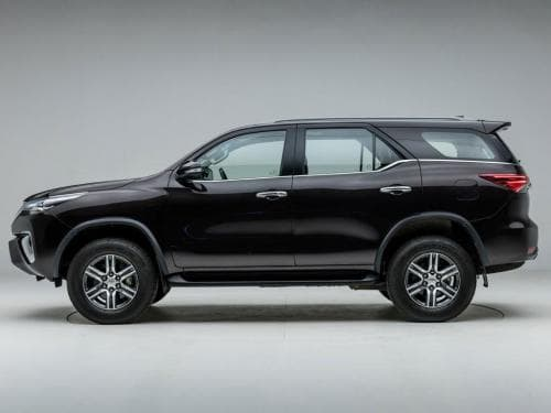 Toyota Fortuner 2 8 4x4 AT (Diesel) Price in India, Images