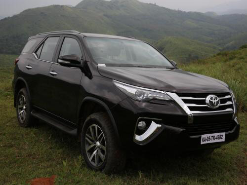 Avant Loan Reviews >> Toyota Fortuner - Price in India-Reviews, Images, Specs, Mileage | New model, pics, four wheeler