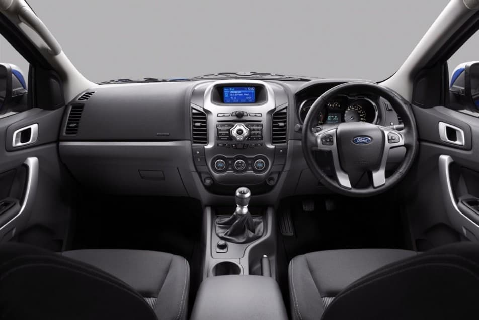 face lifted ford everest launched in indonesia autoportal rh autoportal com ford everest manual pdf ford everest manual philippines