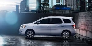 Official - Chevrolet Spin Launching in India in 2016