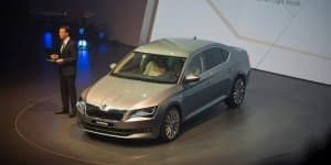 Video - India-bound 2016 Skoda Superb Unveiled