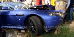 Aston Martin Vantage S wrecked in Delhi