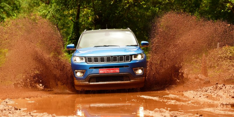 Official: Jeep Compass Crosses 10,000 Bookings