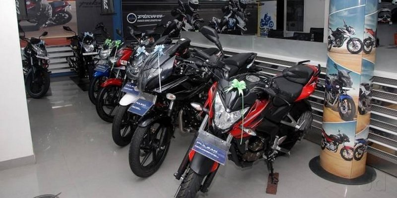 Bajaj Auto leads two-wheeler exports in H1 2017-18