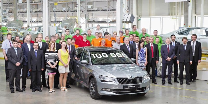 100,000th Unit of New Skoda Superb Rolled out